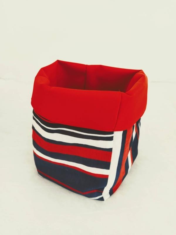 Porta oggetti piccolo - Art. 34 - 5.00 €