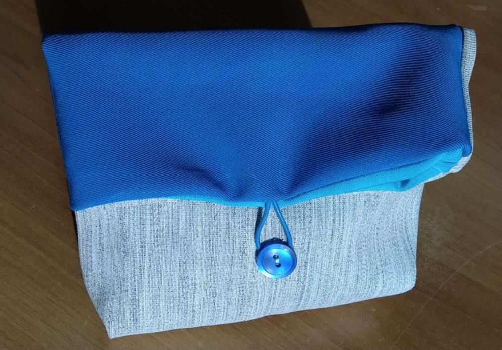Art. 41 - Pochette blu - 7.00€