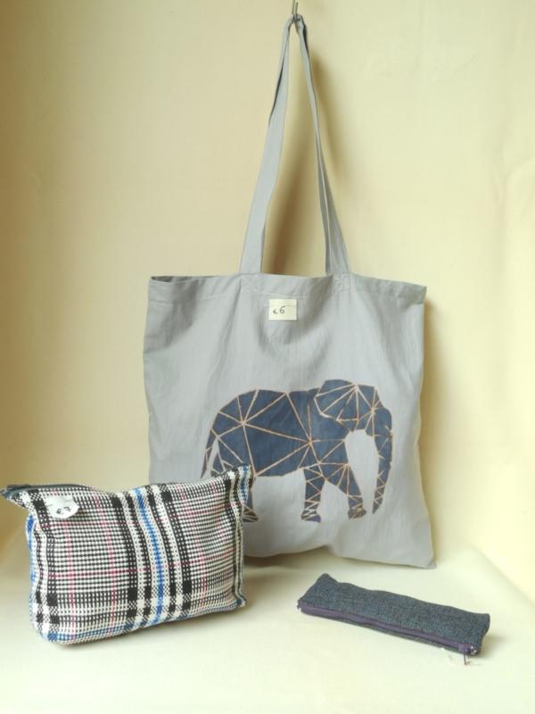 Shopper quadrata dipinta, beauty, astuccio